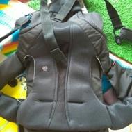 黑色康貝Combi SF4  新生兒全護減壓4用型抱抱背袋/康貝Combi SF4腰帶型減壓四用背巾