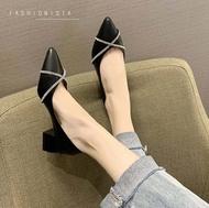 รองเท้าส้นสูง รองเท้าคัชชู ส้นสูง คัชชู รองเท้าสีดำ รองเท้าสีครีม รองเท้าดำ รองเท้าครีม
