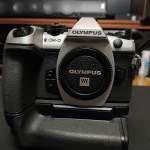 Olympus E-M1 Mark2 EM1 II 銀色連原廠直倒, 原廠電@3, SC少於200, m43