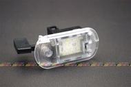(VAG小賴汽車)Golf4 Bora 手套箱 工具箱 燈 LED 全新