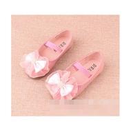 รองเท้าออกงาน รองเท้าเด็กหญิงสีชมพูหนังแก้ว Dress Shoes รองเท้าคัชชูเด็กผู้หญิง(Size 32-35)
