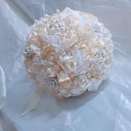 純手工&設計  香檳米白 珠寶捧花 緞帶捧花