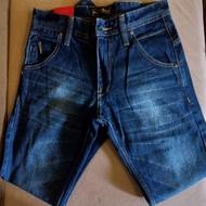 POADO® . celana lois pria-celana lois pria slimfit original-celana jeans pria original lois-celana jeans pria levis bahan karet-jeans pria levis original-celana levis pria-impor-jeans pria lois original asli slimfit-celana jeans pria levis bahan karet
