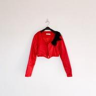 二手 紅色 黑羽毛 短版 緞面 外套 明太子 B113
