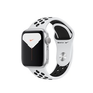 Apple Watch Nike Series 5 Silver Aluminium Case with Pure Platinum/Black Nike Sport Band 40mm GPS + Cellular