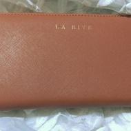 全新~法國La Rive經典時尚十字紋牛皮長夾(拉鍊長夾)