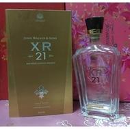 """還不錯滴♡♥D44-1~JOHN WALKER&SONS XR™21年蘇格蘭威士忌""""空酒瓶(附盒)""""750ml♥♡~1409g"""