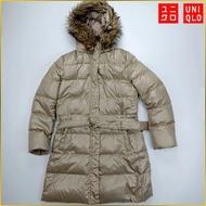 日本二手衣✈️UNIQLO 連帽羽絨外套 中長版 連帽外套 羽絨外套 UNIQLO 優衣庫羽絨衣 女 L号 AF538U