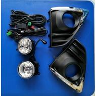 TOYOTA豐田 2014 -2017 NEW YARIS  車美仕  原廠型霧燈殼組附線組  內含LED燈泡