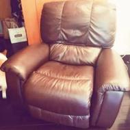 【二手】 HOLA CASA 美國製造 La-Z-Boy 單人座牛皮沙發 棕色 單人沙發 進口沙發 loft 皮沙發