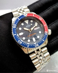 * MADE IN JAPAN * BRAND NEW SEIKO AUTOMATIC PEPSI BEZEL WITH ORIGINAL SEIKO JUBILEE BRACELET MENS DIVER WATCH SKX009 SKX007J