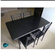 Dining Set. / Table .