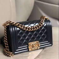 [กระเป่า]แท้】Used in Good Condition Chanel Boy8 Black Calfskin GHW HL17XXXXXXX Comes Box Card and Dust Bag Price