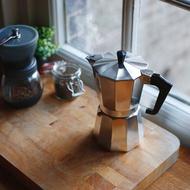 Kissmee หม้อต้มกาแฟสด  เครื่องชงกาแฟเอสเพรสโซ่  มอคค่า กาต้มกาแฟสด  เครื่องชงกาแฟสด  เครื่องทำกาแฟ  แบบปิคนิคพกพา  ใช้ทำกาแฟสดทานไ coffee pot