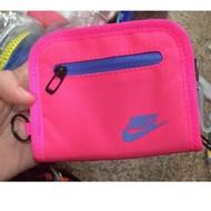 (羽球世家)新品 Nike 零錢包  拉鍊錢包 尼龍運動錢包 粉紅 有拉鍊 可放卡片 隨身攜帶