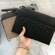 美國百分百【全新真品】 Guess 包包 手拿包 logo 皮質 專櫃配件 女 凸字 印花 咖啡/黑色 AA90