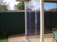 可遮陽.擋雨.防風.防水的手拉式垂直伸縮透明帆布寬180cm*高 150cm*1組 (含全部零件.錏管)只要1200 元