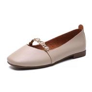รองเท้าผู้หญิง รองเท้าคัชชูส้นเตี้ย แต่งโซ่ แบบหุ้มส้น หัวตัด รุ่น No.1818