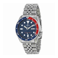 Seiko Men s SKX009K2 Diver s Analog Automatic Stainless Steel Watch