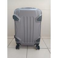 AAPlus 20吋 360度 鐵灰色拉桿行李箱