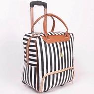 กระเป๋าเดินทาง กระเป๋าลาก กระเป๋าเดินทางใบเล็ก กระเป๋าเดินทางล้อลาก กระเป๋าเดินทางราคาถูก กระเป๋าเดินทางลดราคา ซื้อกระเป๋าเดินทาง กระเป๋าล้อลาก กระเป๋าเดินทางราคา กระเป๋าล้อลากราคาถูก travel bag ลายทาง กระเป๋าเดินทางยี่ห้อไหนดี รุ่น LT-0003 (สีขาว/ดำ)
