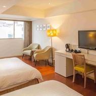 台東  台東市區  峇里商務酒店  峇里4人房  一泊二食  機車自由行  知本泡湯趣(三選一)  住宿券