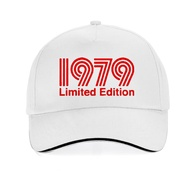 【In Stock】New 1979 Limited Edition Red Text Cool  Baseball Cap Men