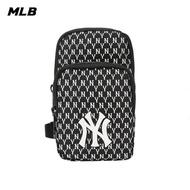 【MLB】MONOGRAM老花 小包 斜背包 紐約洋基隊(32BGDK011-50L)