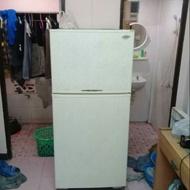 ตู้เย็นราคาถูก ตู้เย็นสองประตู ตู้เย็นมือสอง ขายตามสภาพครับ ตู้เย็นยี่ห้อซันโย 15 คิว ใช่งานได้ปกติครับ