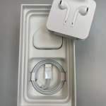 全新未用USB充電器/ Lightning cable/ Lightning EarPods(iPhone XS原裝配件)