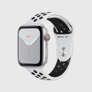 Apple Watch Series 5 Nike Silver Aluminum Sport Band 44มม.
