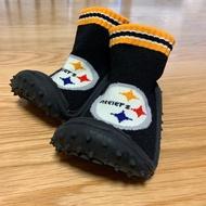 《近全新》美國Skidders x NFL Steelers 匹茲堡鋼人隊限定款 膠底襪型學步鞋(6號)