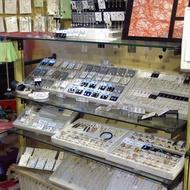 二手 四連座展示櫃 可掛衣服 可分層展示飾品 適合服飾店 飾品精品店 鞋店