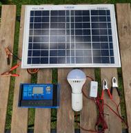 โคมไฟโซล่าเซลล์ โคมไฟพลังงานแสงอาทิตย์ แสงสีขาว ไฟโซลาร์เซลล์ ชุดแผงโพลีโซลาร์เซลล์ ชุดนอนนา นอนไร่ นอนป่า แผง 10w +pwm10/20/30A + หลอด LED 12V 7W