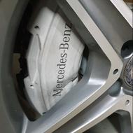 w205 c300大卡鉗碟盤組含煞車皮,含運,不含裝,原廠交換。