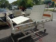 Electric hospital bed with mattress / katil orang pesakit