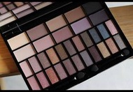 Makeup Revolution 32色眼影【QinMood】裸色大地Ur the Best Thing