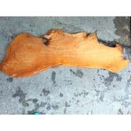 台灣黃檜奇木桌板(長135寬39厚3.4cm)