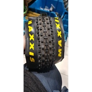 MAXXIS CROSSMARK TIRE FOLDING size 26x2.25 or 26x2.10 TUBELESS READY sold by 1 pc
