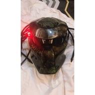 掠奪者 終極戰士安全帽(PREDATOR MOTORCYCLE HELMET)
