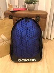 Adidas Originals 3D Backpack กระเป๋าสะพายหลัง 3D ลุคสุดล้ำของกระเป๋าสะพายหลัง 2020 งานแท้เท่านั้น