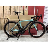 Alcott Ascari Silhouette Full Shimano 105 Roadbike Bicycle (Carbon Wheel) (with FREE Gifts)