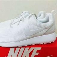 Nike Roshe Run 全白