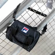 FILA 小型潮流圓筒單肩包/斜背包-黑 BMV-1503-BK