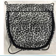 機車置物網袋 兩層拉鍊 白色豹紋置物袋 機車座墊內置物袋 彈性置物箱內袋《裕翔》