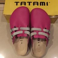Birkenstock's 勃肯TATAMI Rhein系列 桃紅色環扣可調真皮拖鞋(下單贈送鑰匙圈