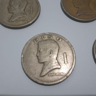 Old 1 peso coin 1972