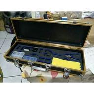 賣卡夢 中型 打印,貼膜 釣蝦箱 釣魚,釣蝦 鋁盒 槍箱 整套贈送釣蝦竿一支。