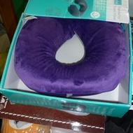 ↖雜貨殿暢貨社-居家用品類- Airia Living U 型記憶頸枕 33 x 28 公分/紫色