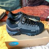 HI-TEC 戶外登山鞋
